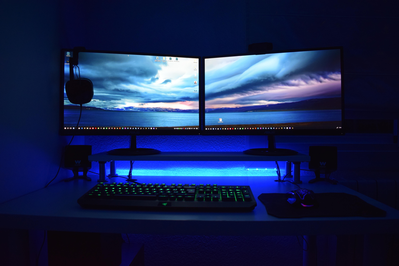 【ゲーミングPC】ノート型とデスクトップ型の違いは?