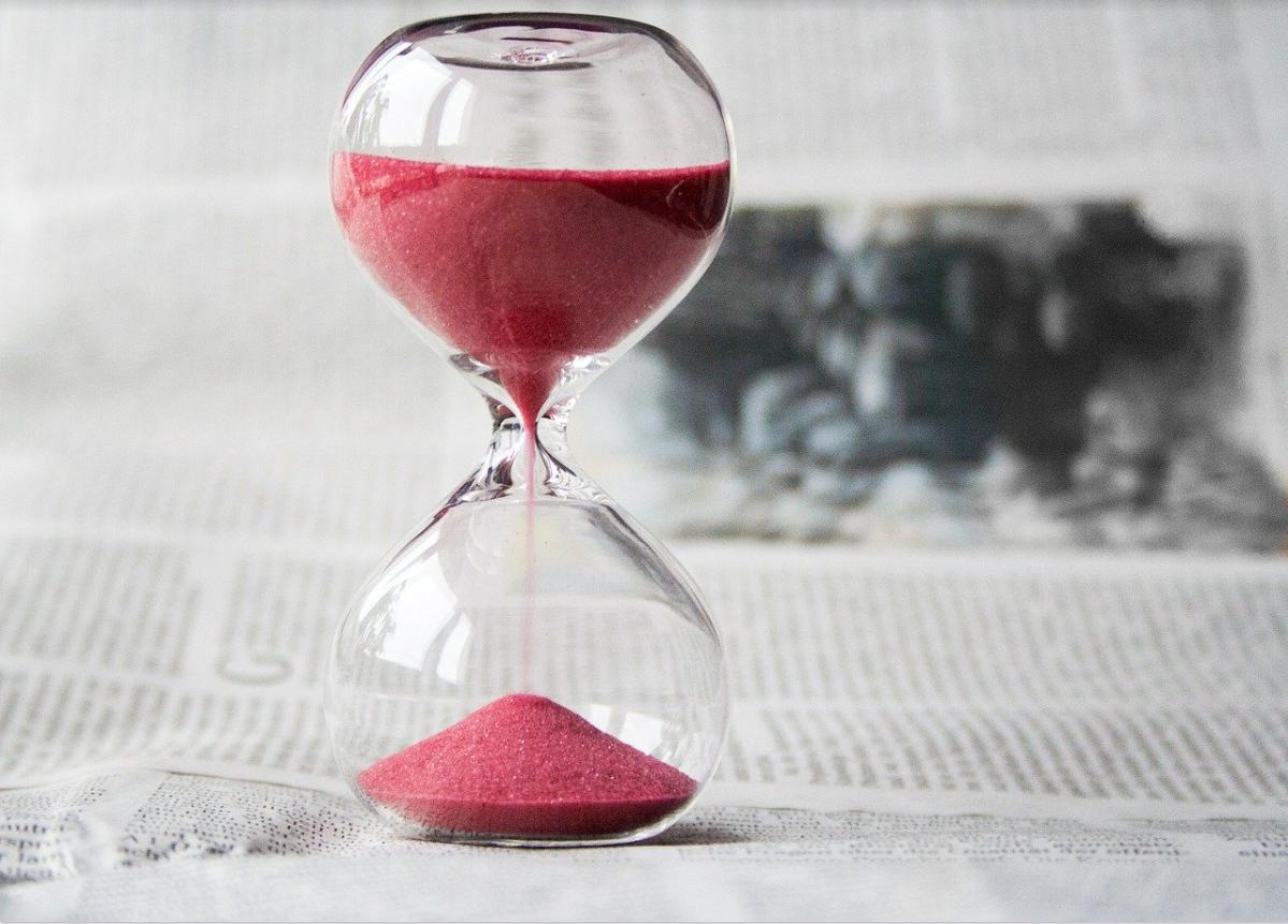 【エピックセブン】ガチャを引く時間帯で当たりやすくなるのは本当?