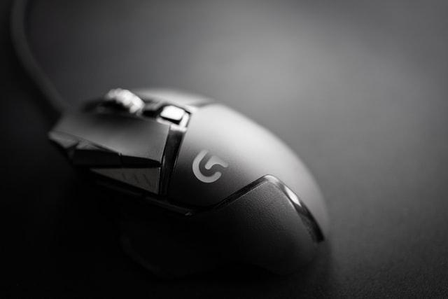 ゲーミングマウスが軽いとすぐ壊れない?