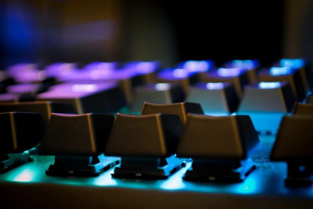 ゲーミングキーボードと普通のキーボードの違い②「価格」