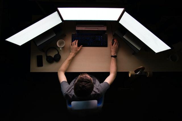 マウスが多ボタンだと仕事用にも使える