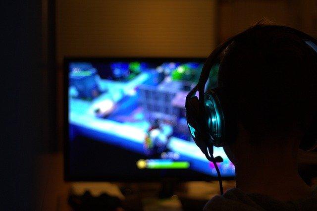 【ゲーミングヘッドセット】PS4用に無線で選ぶ際のポイント