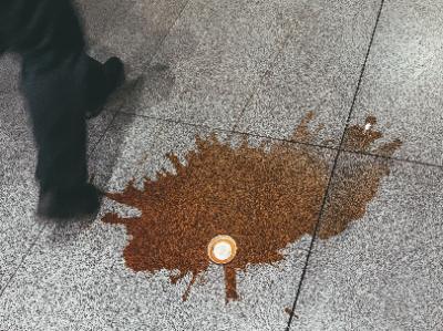 通気性の良いファブリック素材は液体系の汚れに注意