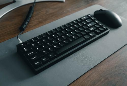 PCでゲームをするなら圧倒的に「椅子」タイプのゲーミングチェア