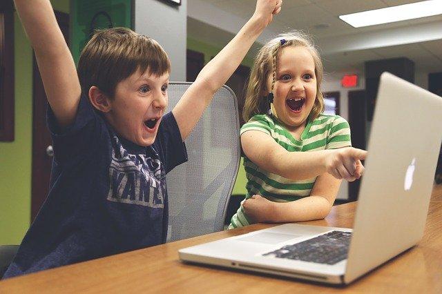 フォートナイトにはゲーミングノートPCとデスクトップどっちが良い?